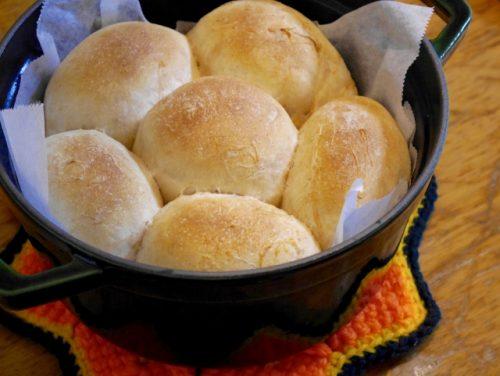 ストウブ鍋でパン